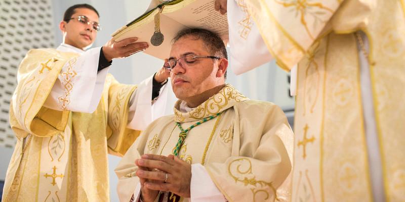 Sakra biskupia Andre Vital SCJ