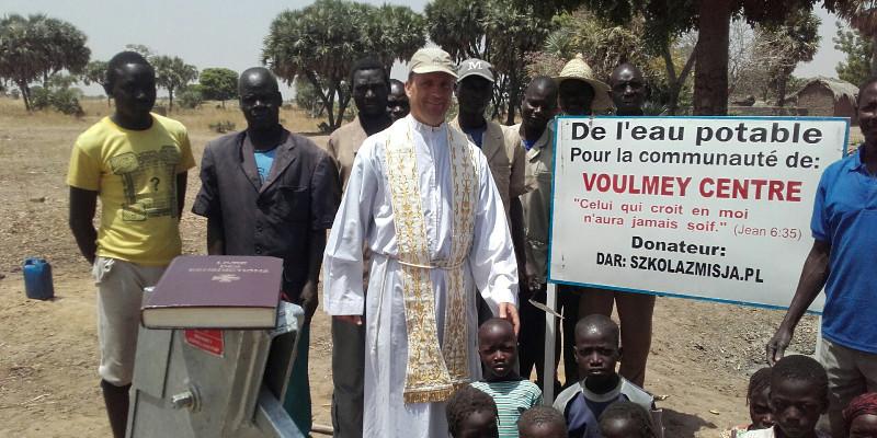 """""""Szkoły z Misją"""" wybudowały studnię w Czadzie!"""