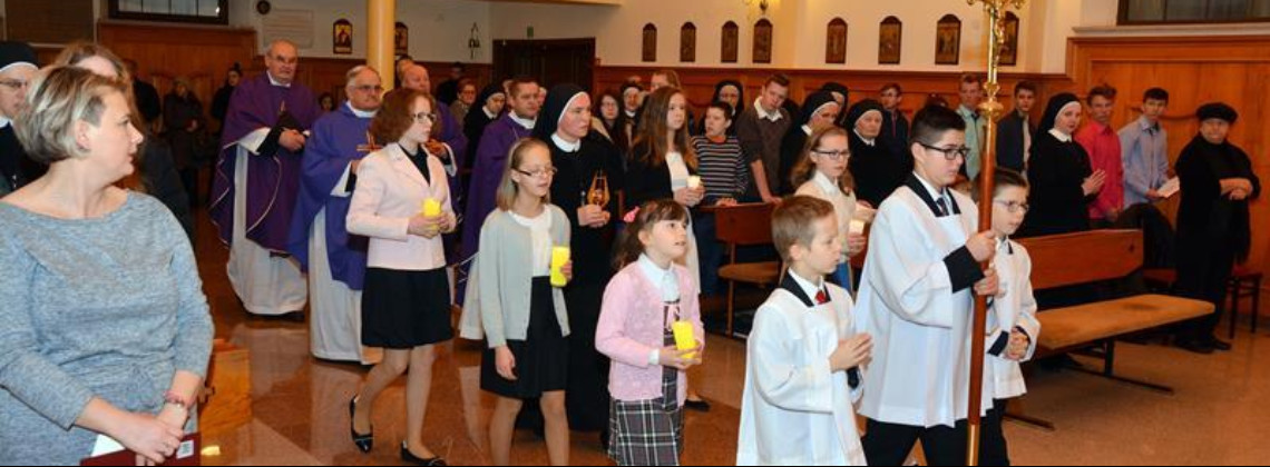 Wprowadzenie papieskich relikwii