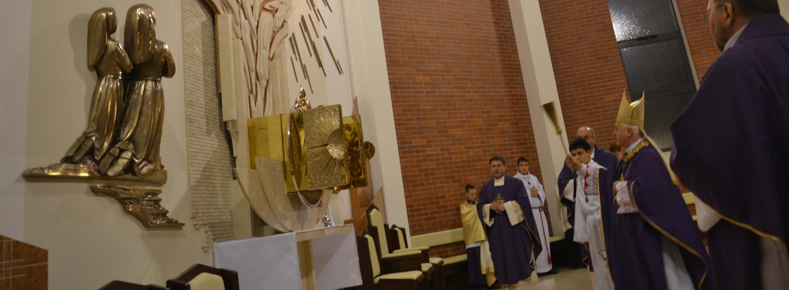 Poświęcone prezbiterium