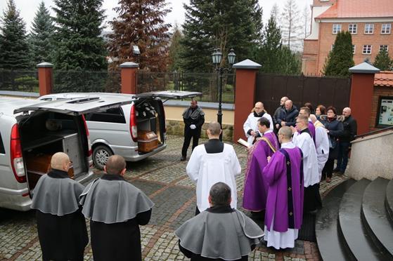 Pogrzeb księży Franciszka i Stefana (02).JPG