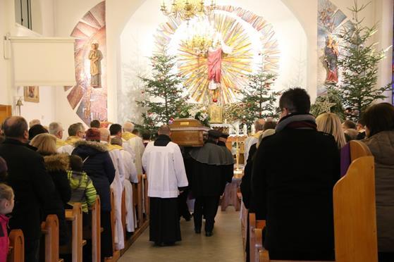 Pogrzeb księży Franciszka i Stefana (07).JPG