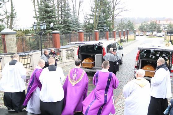 Pogrzeb księży Franciszka i Stefana (05).JPG