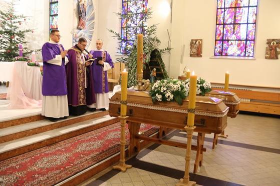 Pogrzeb księży Franciszka i Stefana (25).JPG